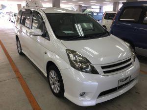 H21年 トヨタ アイシス